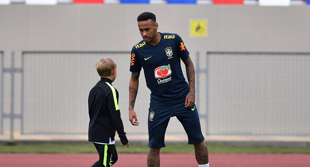 Neymar sigue sin ganar un Mundial