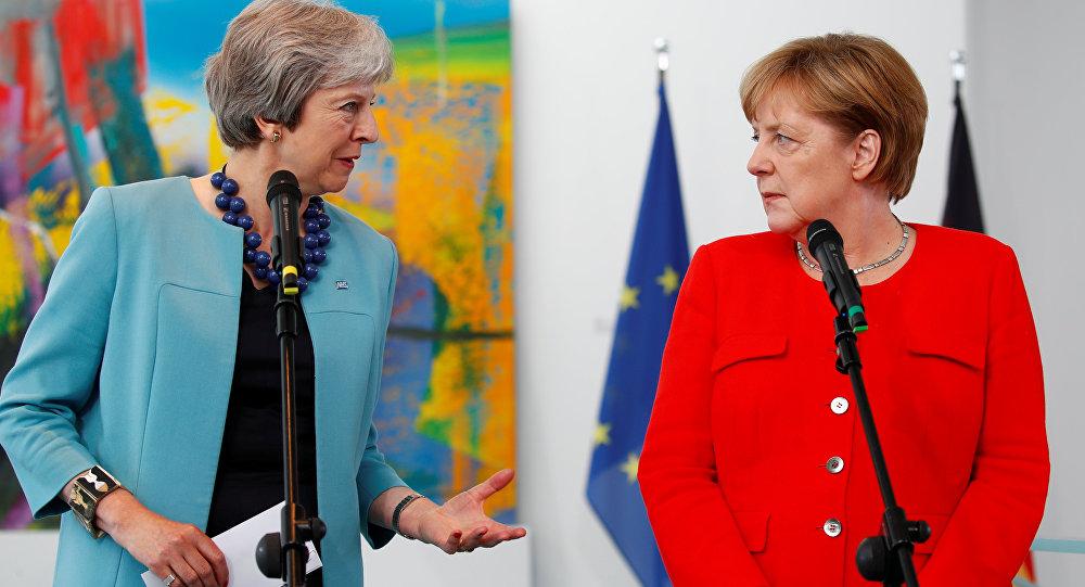 La primera ministra del Reino Unido Theresa May y la canciller de Alemania Angela Merkel