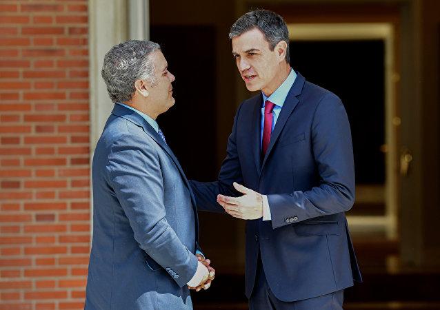 El presidente electo de Colombia, Iván Duque, y el presidente del Gobierno español, Pedro Sánchez
