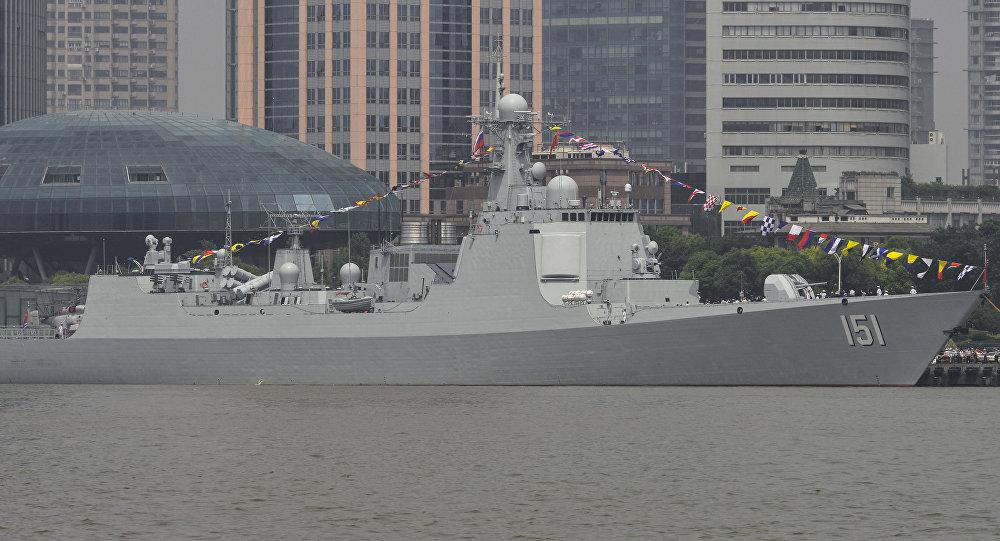 El destructor portamisiles chino Zhengzhou, donde Wei Huixiao es actualmente capitana interina