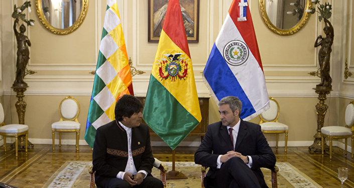 El presidente de bolivia, Evo Morales, y su homólogo paraguayo, Mario Abdo Benítez