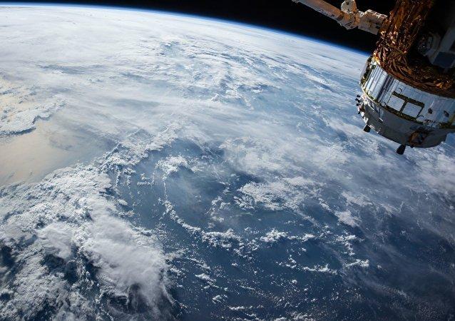Tierra vista desde la EEI