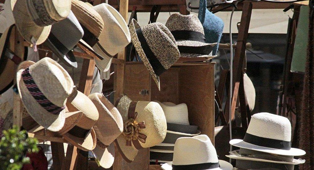 Ecuador promociona en España su popular sombrero de paja toquilla ... 5e430a53476