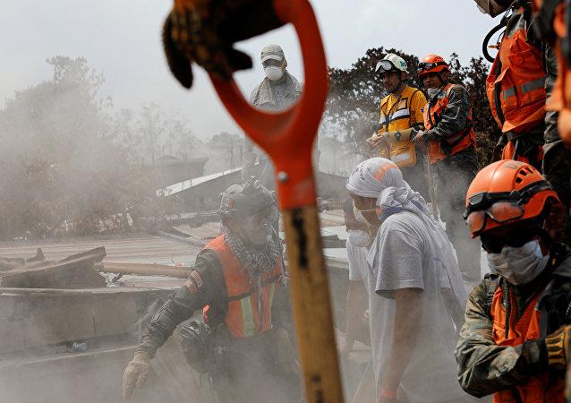 Rescatistas en Guatemala (Archivo)