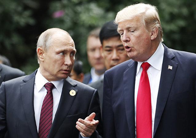 Vladímir Putin y Donald Trump (archivo)