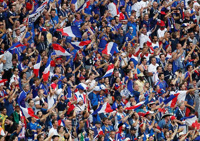 Hinchas franceses en el estadio Luzhnikí de Moscú en la final del Mundial de Rusia