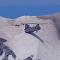 Un helicóptero realiza una impresionante maniobra durante una operación de rescate