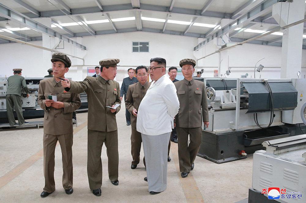 Kim Jong-un marca también el camino de la economía norcoreana