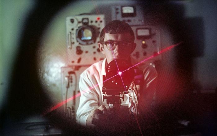 Un futuro inminente: cuando los láseres sustituirán al ser humano
