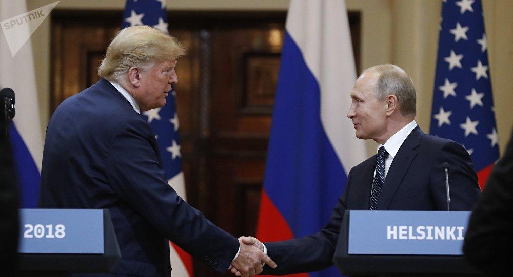 El presidente de Estados Unidos, Donald Trump, y el presidente de Rusia, Vladímir Putin (archivo)
