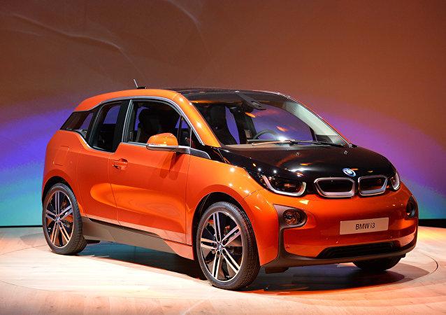 Un carro eléctrico de BMW, el principal consumidor de lo producido por la planta de CATL en Alemania (imagen referencial)