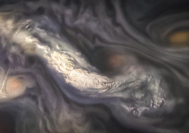 Nubes jovianas en Júpiter