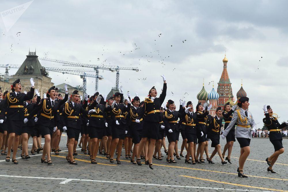El orgullo de Rusia: la Plaza Roja alberga la graduación de los futuros defensores del país