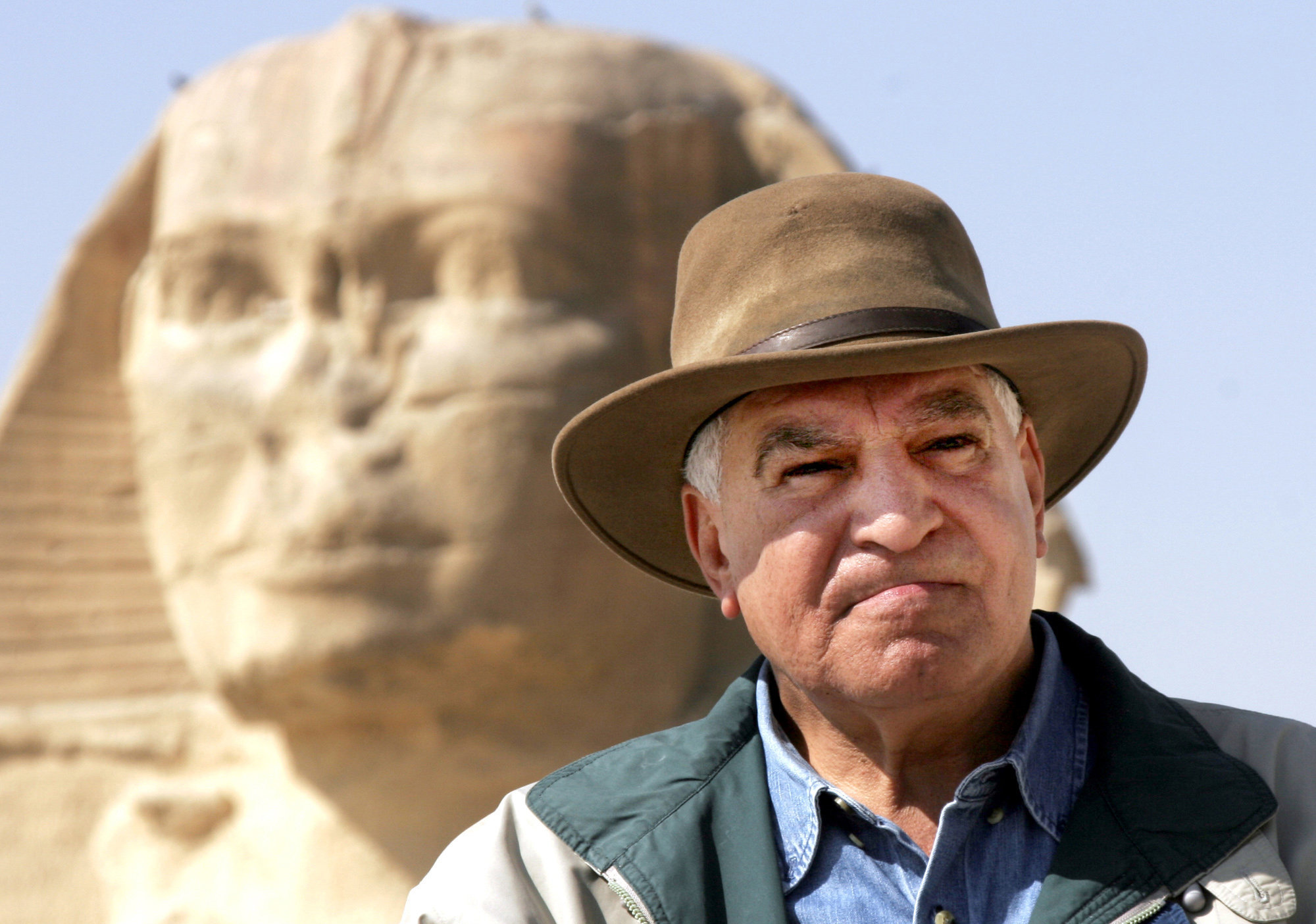 El famoso egiptólogo Zahi Hawass