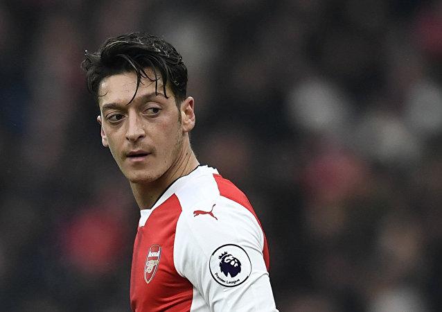 Mediocampista del FC Arsenal, Mesut Ozil