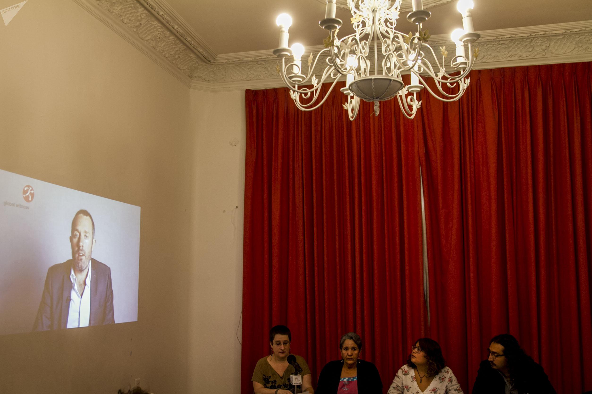 Conferencia de prensa en México de la presentación del informe A qué precio de la organización inglesa, Global Whitness, sobre asesinatos de defensores de derechos humanos en 2017