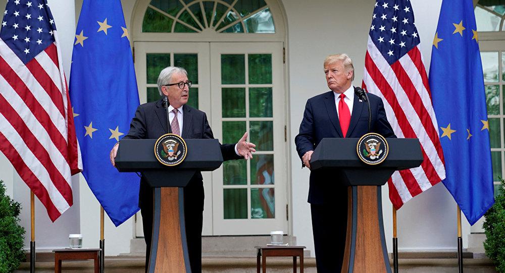 El presidente de la Comisión Europea, Jean-Claude Juncker, junto al presidente de EEUU, Donald Trump