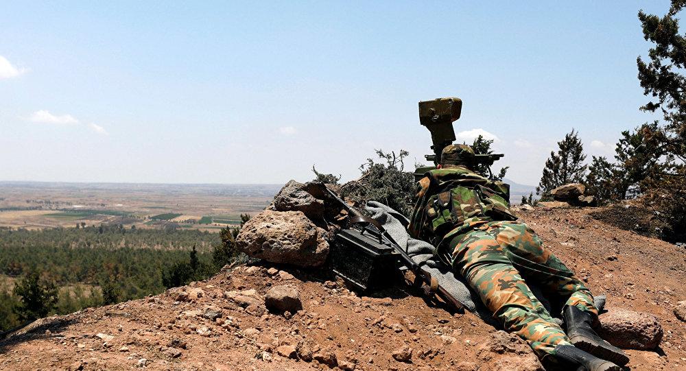 Un militar sirio en Al Quneitra
