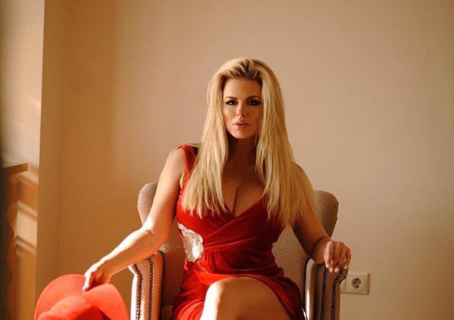 Anna Semenovich, la actriz y cantante rusa