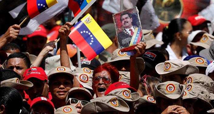Maduro ordenó persecución de opositores por supuesto atentado
