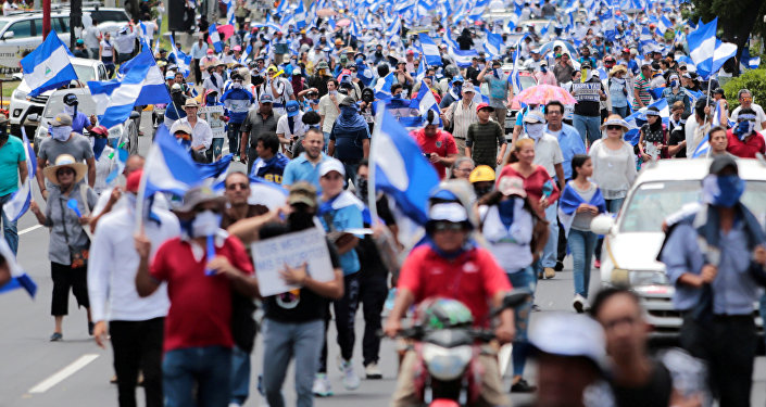 Miles marchan por la libertad de detenidos
