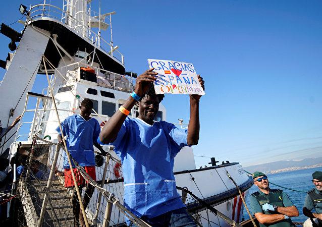 Migrantes arriban al puerto de Algeciras, España