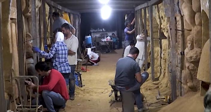 Artistas sirios convierten los túneles de los terroristas en galerías de arte (vídeo)
