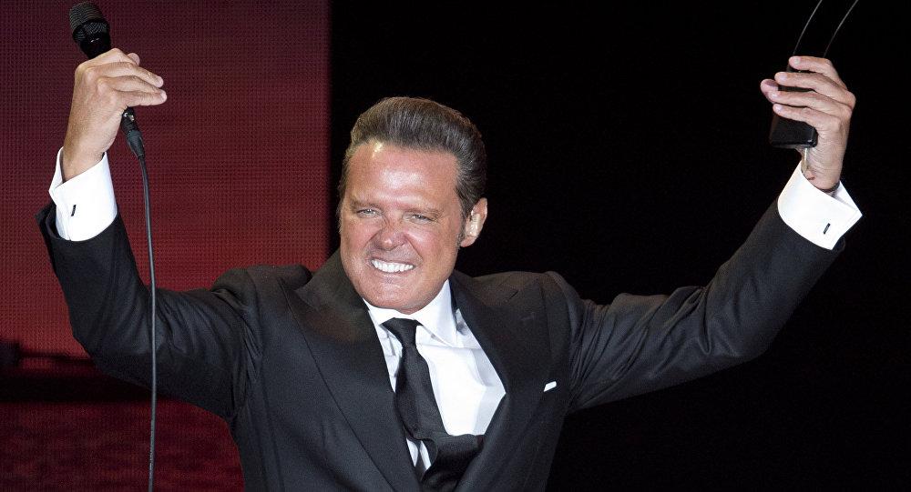 Abuchean a Luis Miguel en su último concierto en el Auditorio Nacional