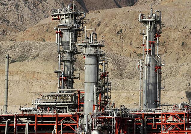 Refinería de gas en Irán