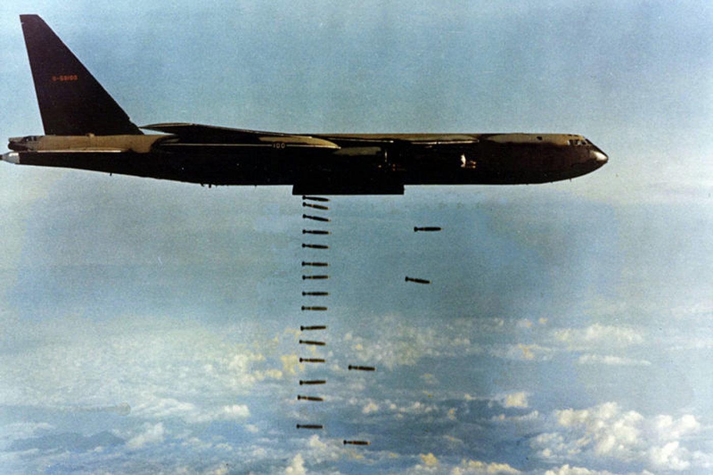 Bombardeo de objetivos durante la guerra de Vietnam