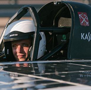 Piloto del automóvil SOL