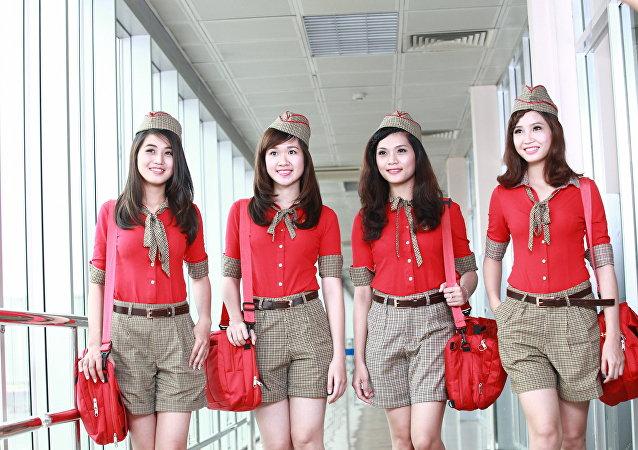 Una aerolínea vietnamita decide reclutar a sus auxiliares de vuelo en Rusia