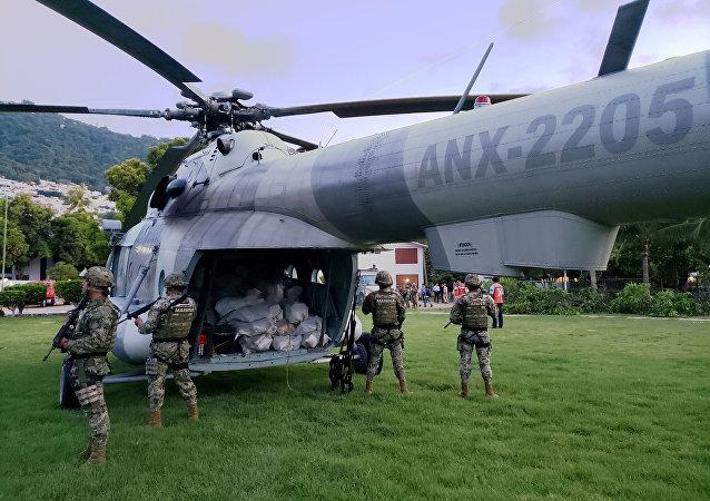 Un helicóptero de la policía antidrogas de México