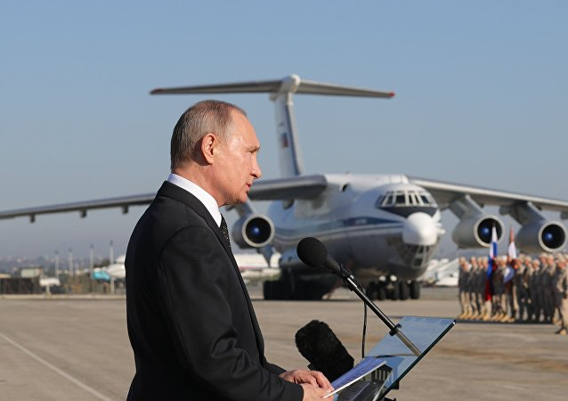 El presidente de Rusia, Vladímir Putin, visita la base rusa en Siria, Hmeymim