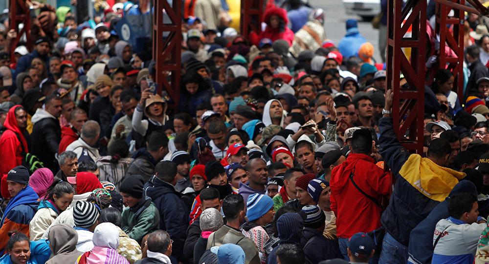 Migrantes venezolanos en la frontera entre Colombia y Ecuador