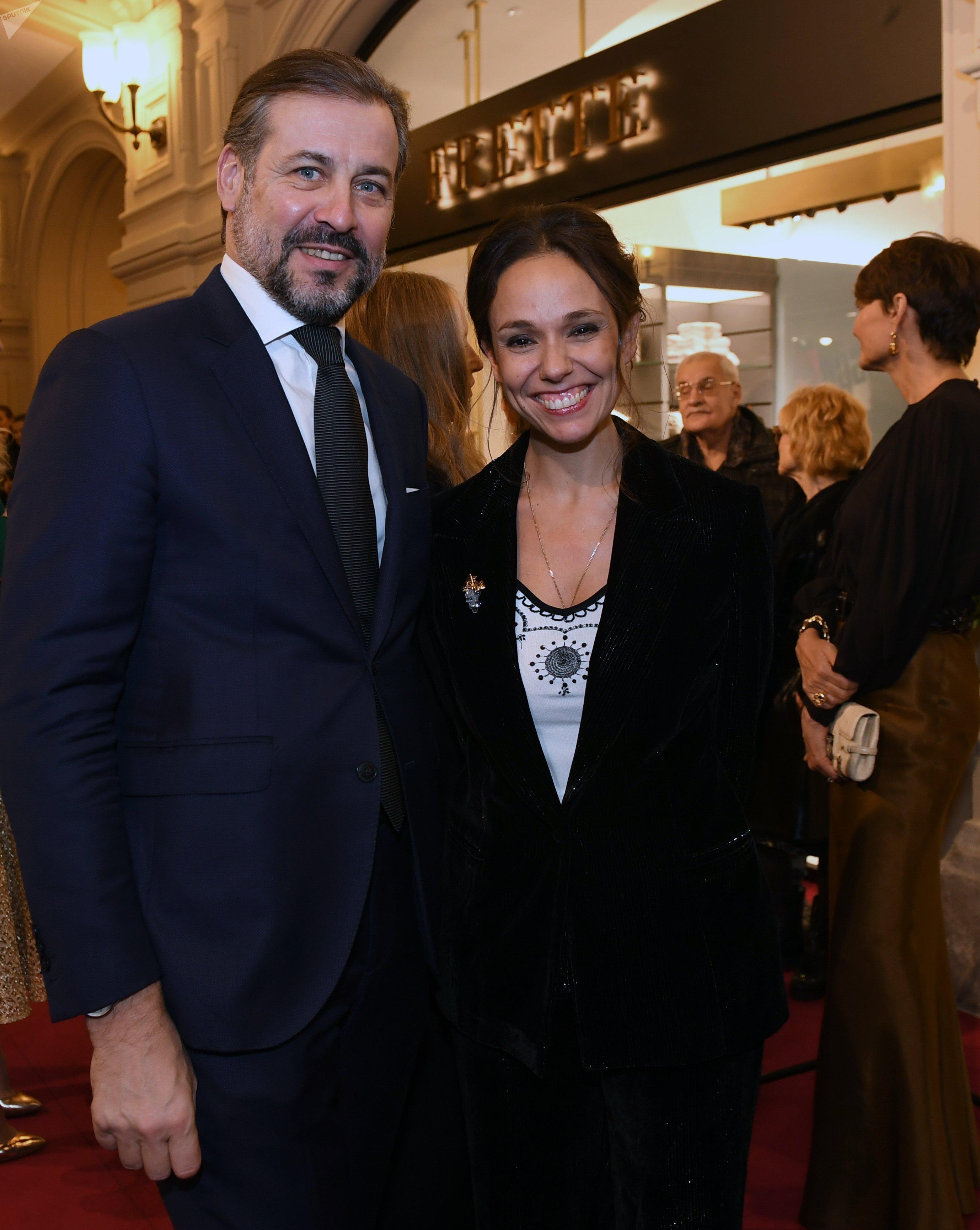 Natalia Strozzi con el presidente de Frette, Hervé Martin
