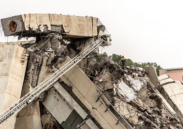 El lugar de la tragedia del puente en Génova
