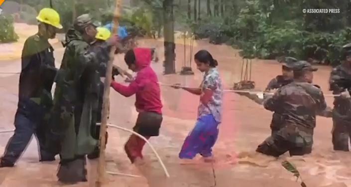 India sufre de lo que llaman la inundación más grande del siglo