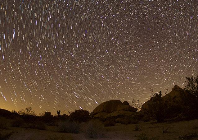 Cielo nocturno, imágen referencial
