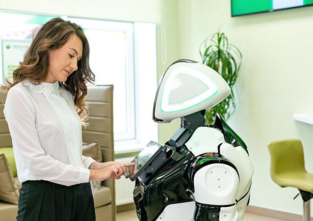 El robot Promobot en acción