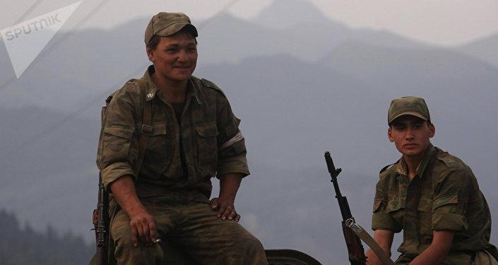 Soldados rusos en Osetia del Sur (archivo)