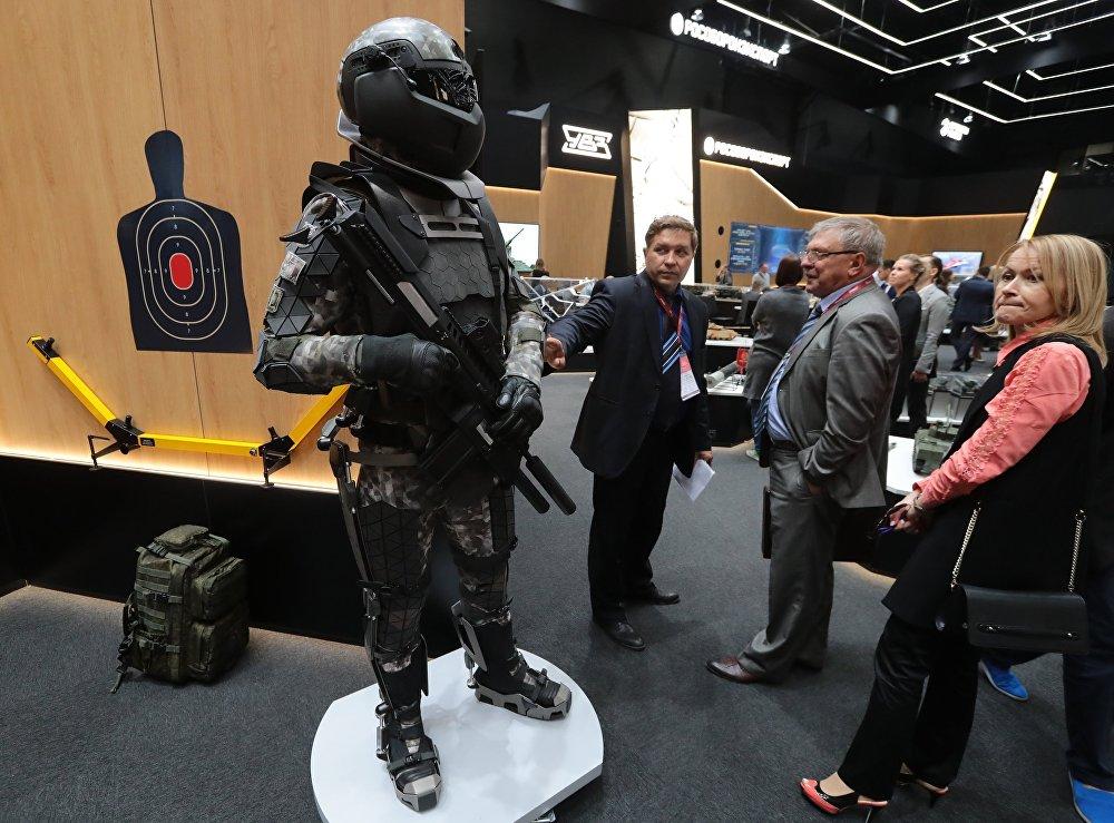 Modelo conceptual del traje del soldado del futuro, conocido popularmente como Ratnik-3