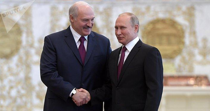 Presidente de Bielorrusia, Alexandr Lukashenko, y presidente de Rusia, Vladímir Putin (Archivo)