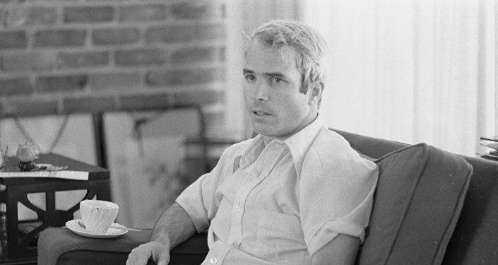 John McCain en 1973