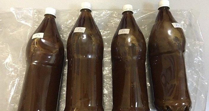 Botellas de ayahuasca halladas en las maletas de Eduardo Chianca Rocha