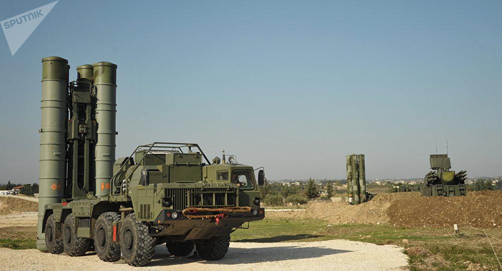 Los sistemas de misiles antiaéreos S-400 en Siria