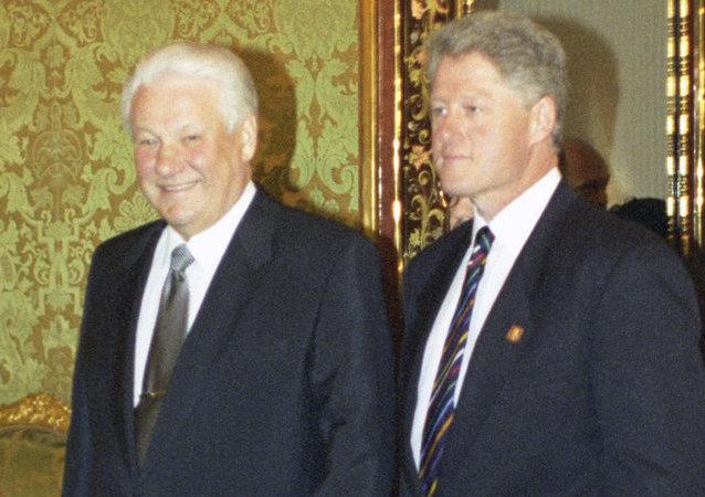 Los expresidentes de Rusia y EEUU, Borís Yeltsin y Bill Clinton (archivo)