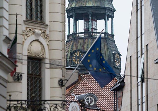 La bandera de la UE en Riga, la capital de Latvia