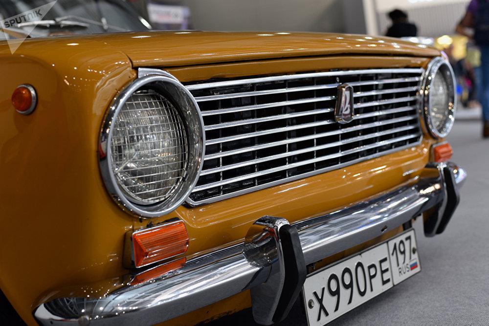 Enchúlame la máquina: estos rusos dan una nueva vida a los autos soviéticos