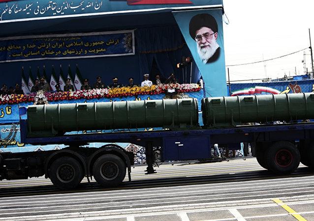 Sistema antiaéreo iraní Bavar-373 (archivo)